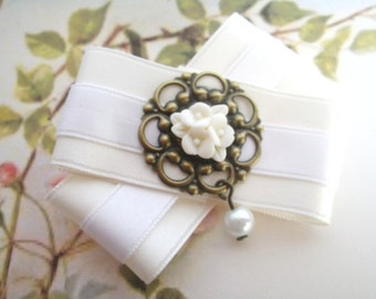 white Cherryblossom - bow brooch of satin ribbon and Resin flower cabochon