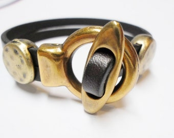 SALE: Brass Toggle Clasp Focal, Leather Bracelet Findings