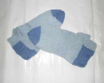 Woman Ankle Socks Knitted in Wool Blend, Soft & Warm, in Blue or Gray