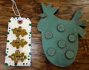 Oak Leaf Buttons, Handmade Ceramic Buttons, Wild Crow Farm