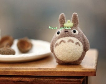 Cute Grey Totoro Doll with Green Leaf, Felt Wool Animal, Felting Kit Material DIY