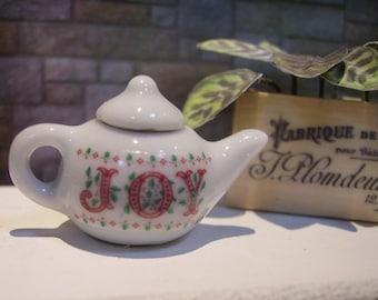 Joy Miniature Teapot for Dollhouse 1:12 scale