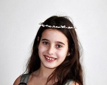 Ivory Berries Halo, Rustic Hair Wreath, Woodland Circlet, Simple Bridal Crown, Flower Girl Wreath, Ivory Bridal Halo, Berries Head Wreath