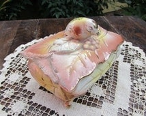 Vintage 1950's Bird and Leaves Porcelain Dresser Box by Lipper and Mann Japan