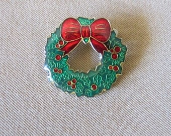 Vintage Christmas Wreath Pin, Vintage 80's Red & Green Enameled Holiday Brooch, Fashion Jewelry, Scarf Pin, Lapel Pin, Ladies Gift Idea