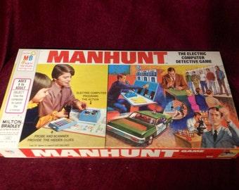 1972 MANHUNT Board Game
