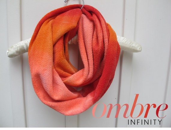 Chunky Circle Ombre Infinity Scarf