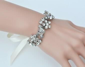 Crystal bracelet, Bridal bracelet, Bridesmaid gift, bridesmaid bracelet, Wedding bracelet, bridal accessories, accessory, wedding, bridal