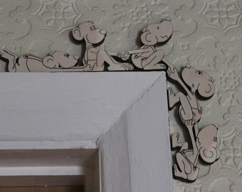 Decorative mice door frame ornament