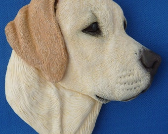 Labrador Wall Hanging Sculpture Size 9.5cm x 10cm . Available in Yellow , Black and Chocolate