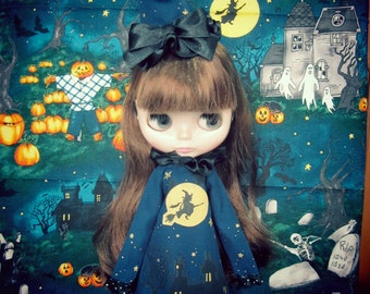 Blythe / Pullip dramatic vintage collar very long sleeves Hand-painted Halloween witch Outfit