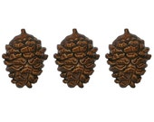 3 Holiday Pine Pinecone 13/16 inch ( 20 mm ) Novelty Sewing Buttons Brown