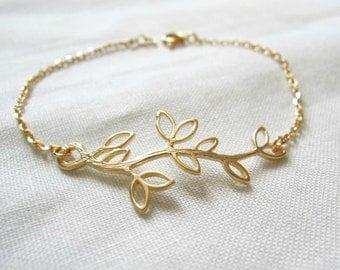 Leaf branch Bracelet. Gold leaf branch bracelet. Leaf pearl bracelet