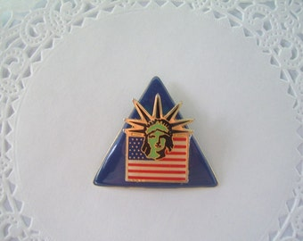 Refrigerator Magnet (231) - Upcycled Jewelry - Statue of Liberty - US Flag - 4th of July magnet - Hostess Gift