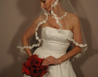 "Wedding veil circular 42"" long with lace trimmed."
