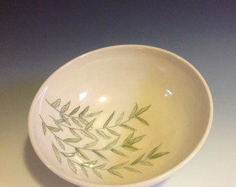 Painted leaves porcelain bowl