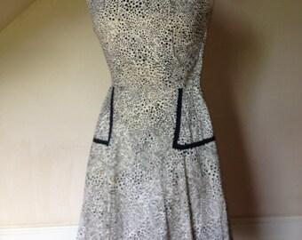 1950's Sleeveless Cotton Day Dress in Black & White