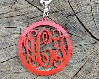 2 inch Acrylic Key Chain Scalloped Circle Border Monogram Vine Font - Personalized Keychain