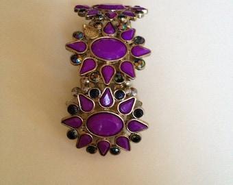 Lovely vintage style costume jewelry bracelet violet