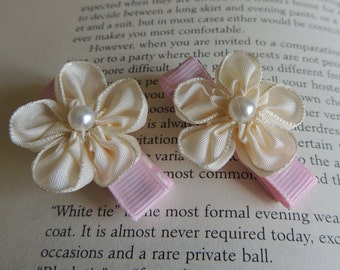 adorable set of cream flower clippies