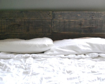 Industrial and Elegant Reclaimed Wood Headboard/ Classic Grey (King)