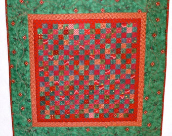 Heirloom Christmas quilted table topper or wallhanging