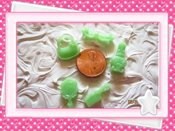 0: )- CABOCHON -( Green Beauty Purse Glasses Mirror Purfume Comb