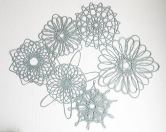 Spirograph Inspired Large Hypotrochoid Paper Cutting