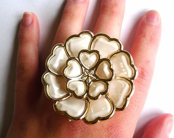 Large Heart Flower Cream Resin Statement Ring, Fashion, Adjustable, Cute, Kitsch, Preppy, Girly, Floral