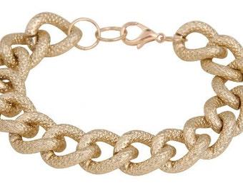 Hammered gold chain bracelet