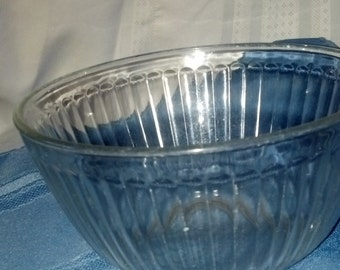 Pyrex bowl 6 cup.