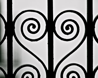 450mm x 600mm Canvas Print - Heart, Barcelona