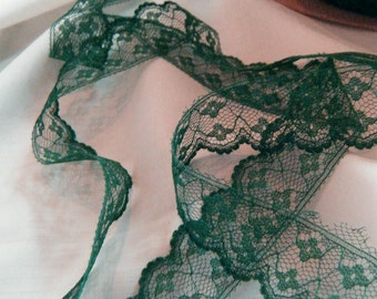 "1 - 25 yds x 1.25"" / 3cm wide dark green lace. delicate scalloped lace trim many yards available"