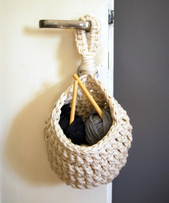 Crochet Hanging Basket T-shirt Zpagetti Yarn in by ...