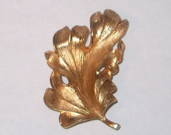 Napier Signed Vintage Costume Jewelry Goldtone Leaf Brooch Pin, WAS 25.00 - 50% = 12.50