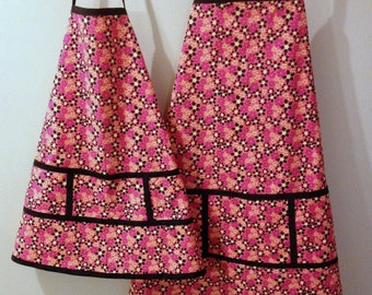 Mom and Daughter Apron Set (Your Color Choice)