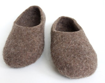 Felted  wool  men slippers / handmade house shoes / ecological felt slippers for men  MADE to ORDER