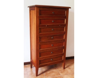 Dresser with seven drawers