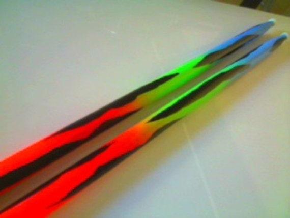neon leuchten in der dunklen drumsticks drumsticks. Black Bedroom Furniture Sets. Home Design Ideas