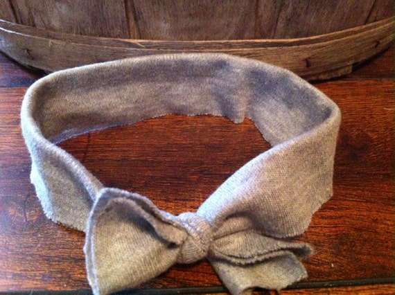 Stretchy grey knot headband