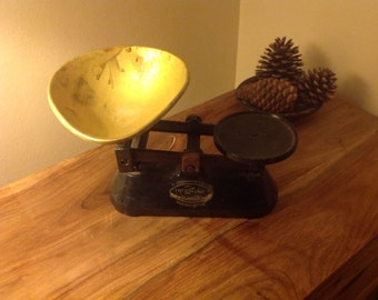 Vintage Cast Iron Weighing Scales
