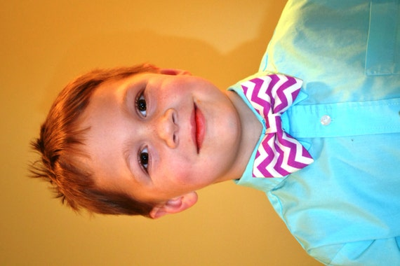 Boys and kids bow ties in the largest selection of colors at the best prices. The Tie Bar offers clip on bow ties from ages 1 to 5 years old.