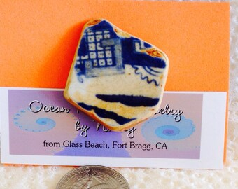 """Beach Pottery """"Blue Willow"""" Pin"""