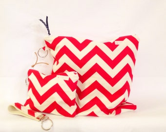Bring on SUMMER Sale  Medium Water-Resistant Bag, Dry Bag, Wet Bag, Zippered Pouch, Travel Bag, Red White Chevron, Yoga Wet Bag