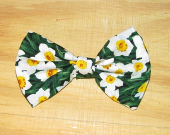 White Lily Hair Bow