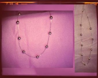 Vintage metal beads necklace