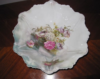 Marked Wheelock (Prussia) Floral Serving Bowl