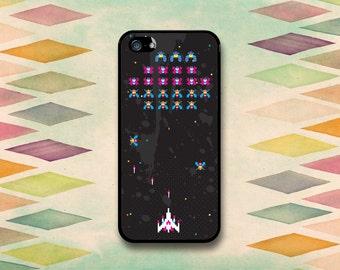 Fun, Retro Galaga Inspired Case: iPhone 4 // 4s, 5c or 5 // 5s