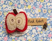 Apple felt brooch by Pink Robot