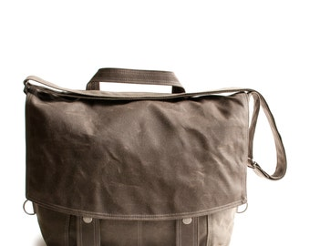 Messenger no.2 - in brown waxed canvas